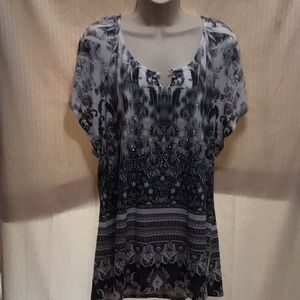 Ladies blouse live and let live XL. White and gray